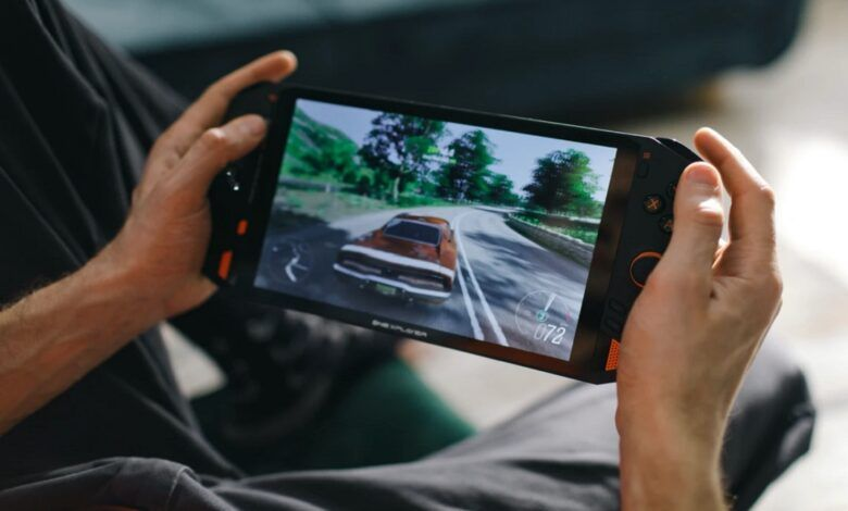 """Best-configured 8.4"""" handheld console ONEXPLAYER to go live on Indiegogo"""