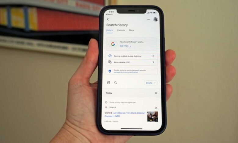 iOS users can now delete their last 15 minutes of Google Search History
